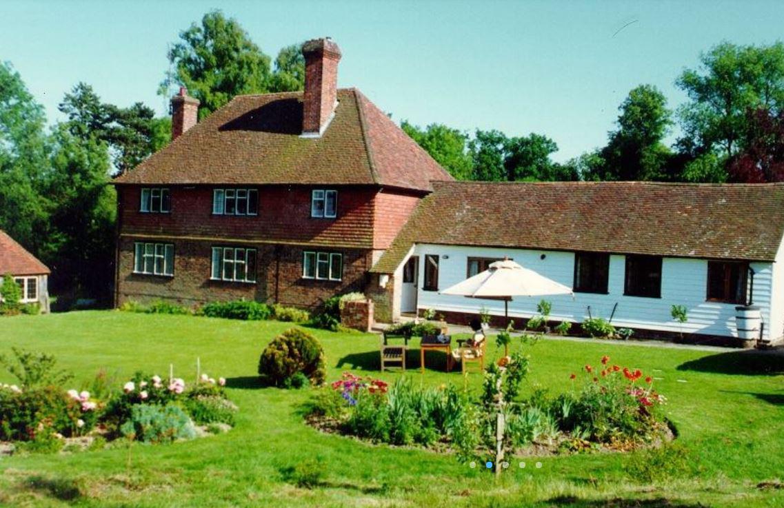 Barkersbarn Self Catering Cottage, Cranbrook, Kent