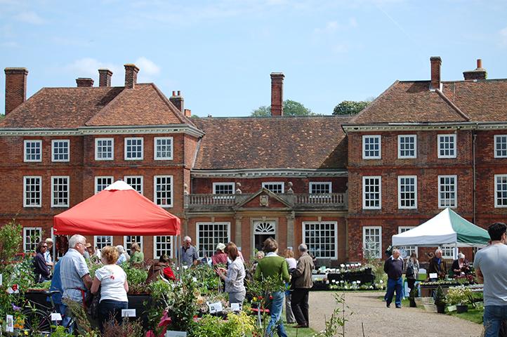 Lullingstone Castle and World Gardens, plant fair, near Sevenoaks and Tunbridge Wells, Kent