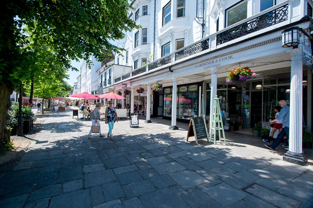 Shopping in the Pantiles