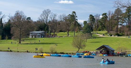 Hire a boat on the lake at Dunorlan Park, Tunbridge Wells