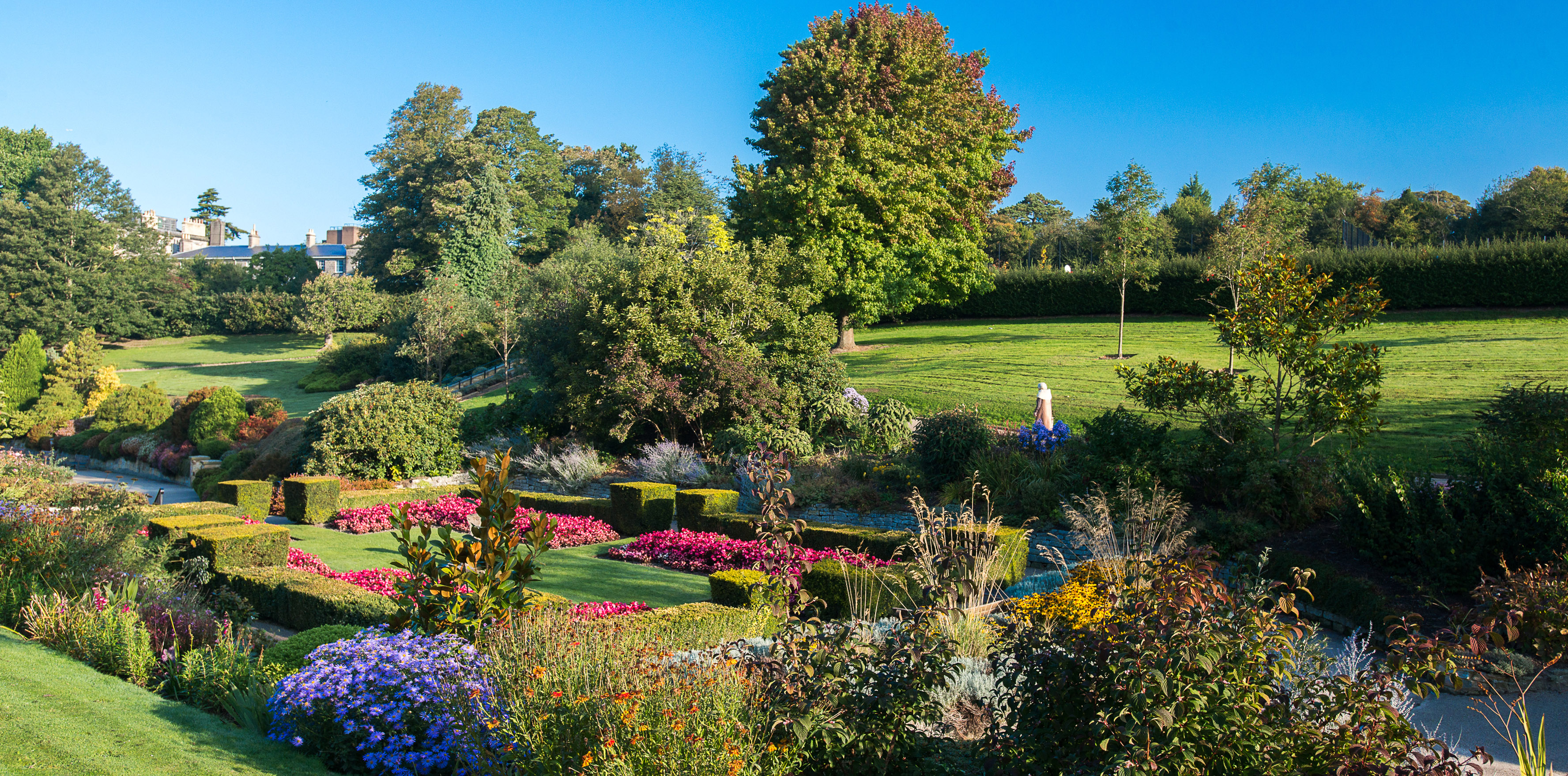 Calverley Grounds in the Summer