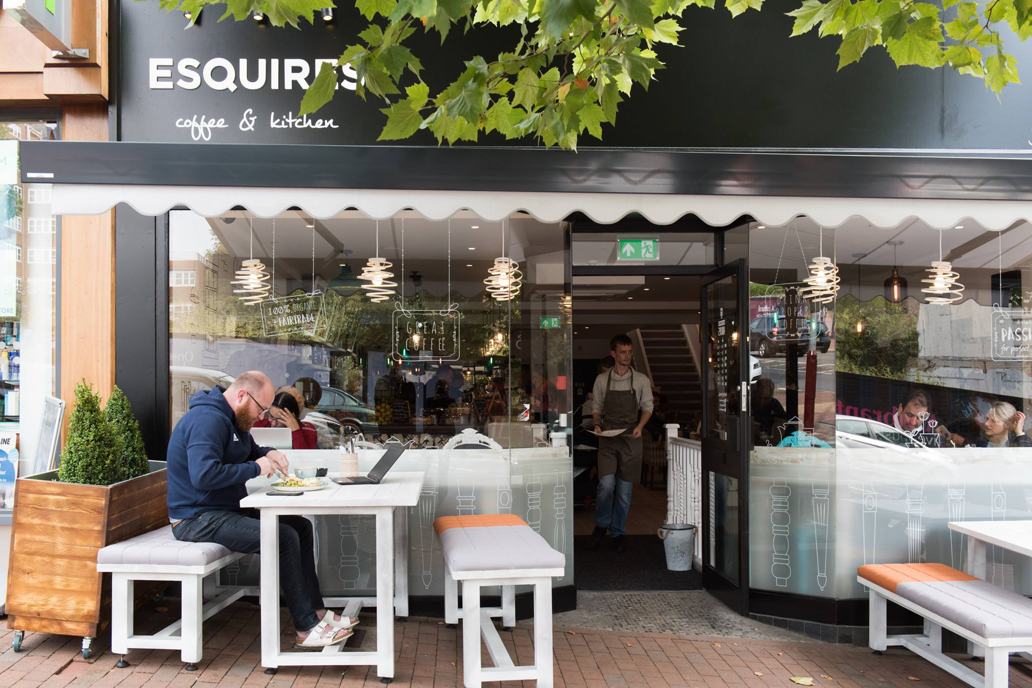 Esquires cafe, vegan, dog friendly and laptop friendly in Royal Tunbridge Wells