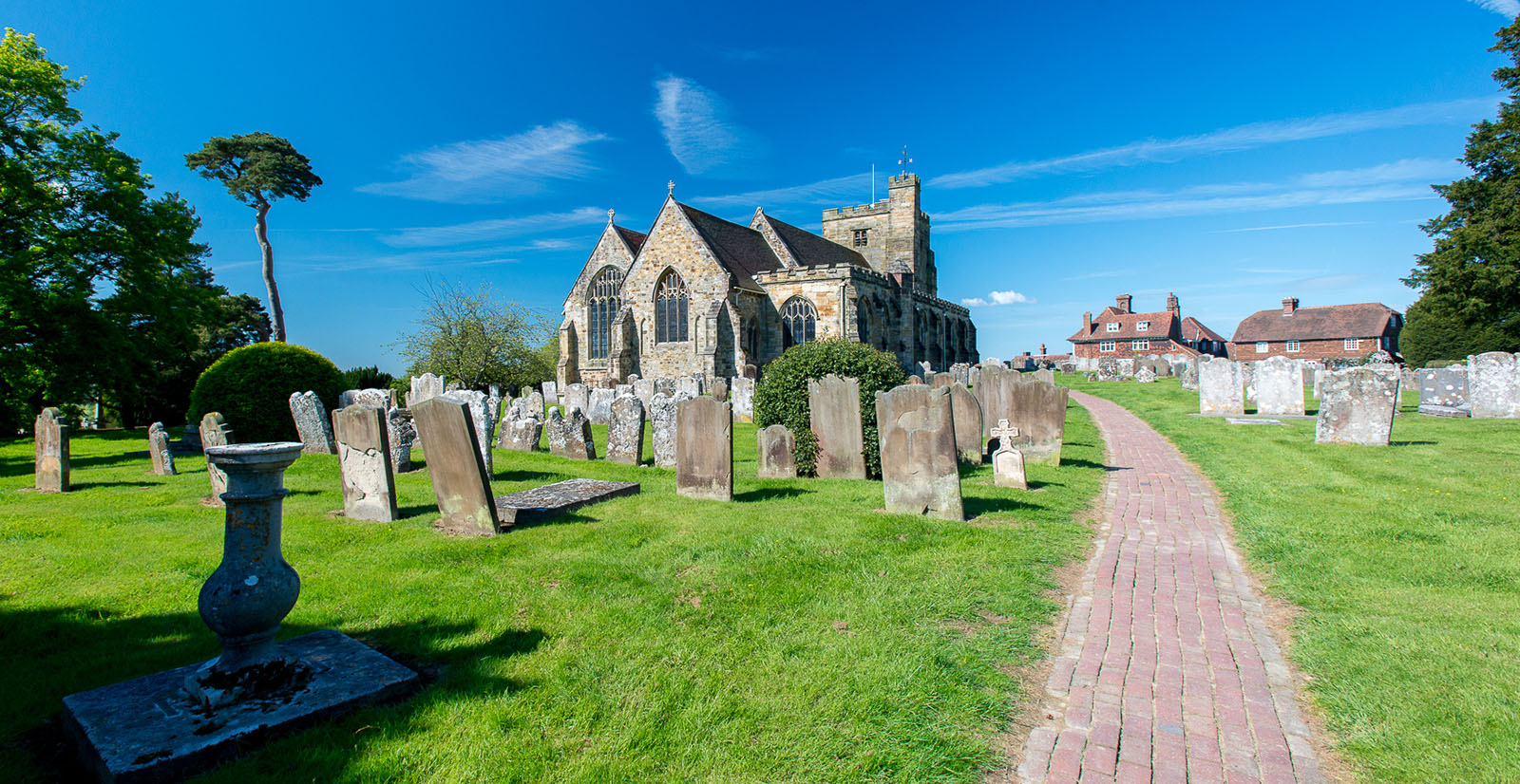 Get the best views of the Weald from St Mary's Church, Goudhurst by David Hodgkinson