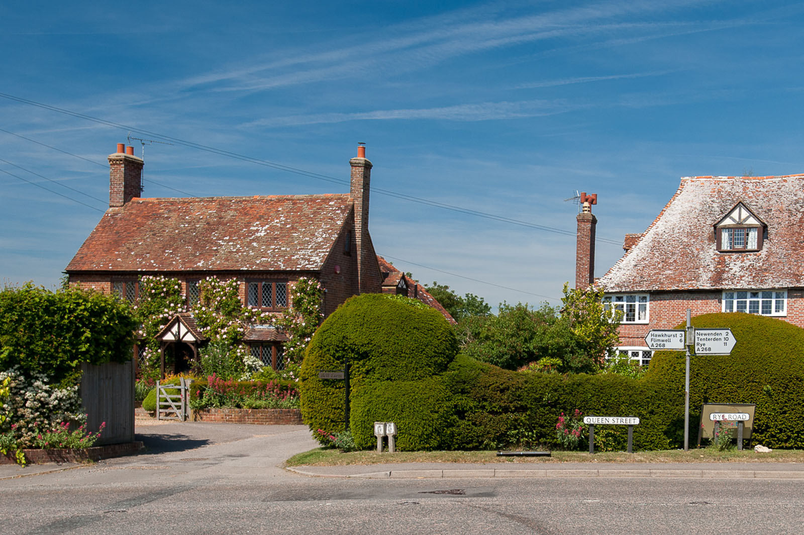 Wealden cottages & gardens to be seen on a country tour - By David Hodgkinson