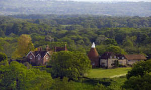 Scenic Driving Tour Around the Weald of Kent