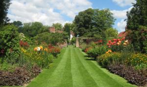 Stately Homes & Gardens