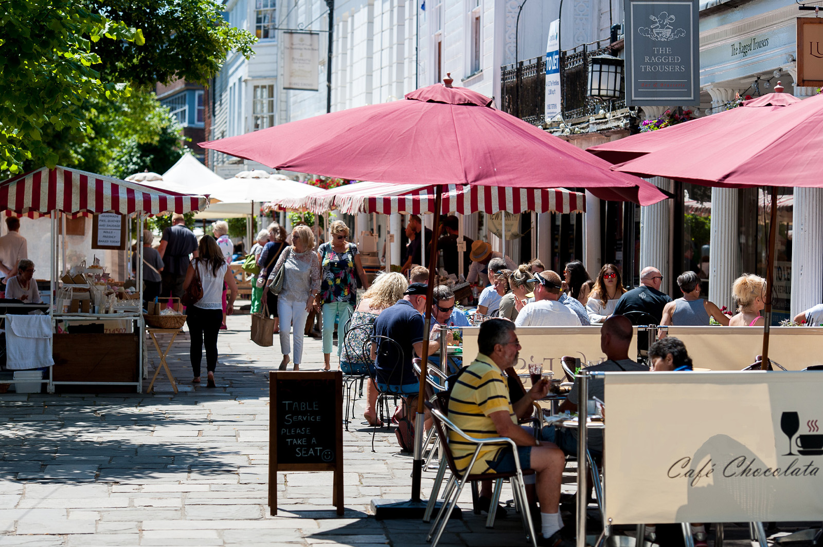 Eating al fresco in The Pantiles - photo by David Hodgkinson