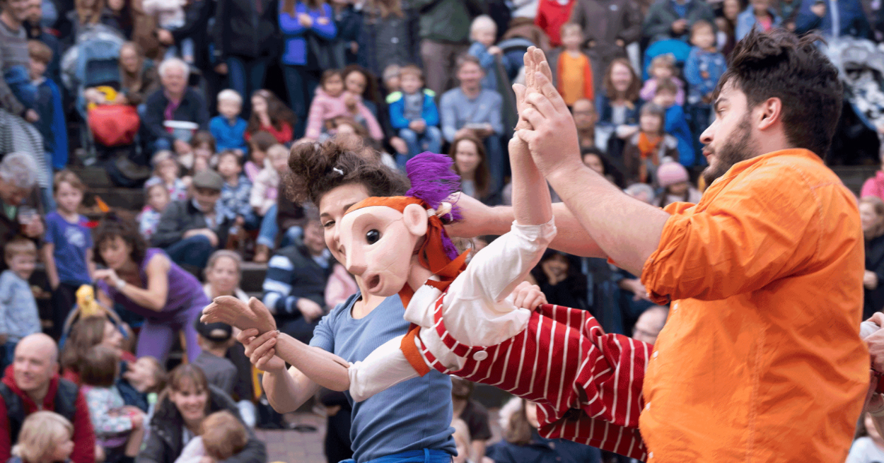 Puppetry Festival in Royal Tunbridge Wells, puppet, puppeteers and crowd